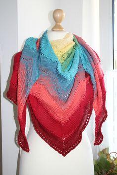 Ein wunderschönes gezacktes Tuch mit einem einmaligen Farbverlauf aus einem handgewickelten Farbverlaufs-Bobbel