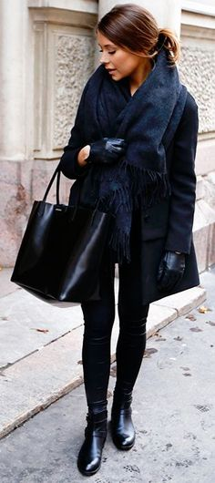 All Everything Black Fall Street Style Inspo by Mariannan