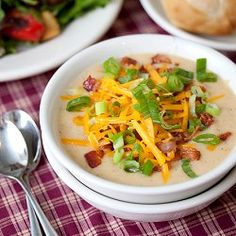 Loaded Baked Potato Soup - have a delicious dinner waiting for you in the Crockpot! (Baking Potato In Crock Pot) Slow Cooker Potato Soup, Creamy Potato Soup, Loaded Baked Potato Soup, Slow Cooker Recipes, Crockpot Recipes, Soup Recipes, Cooking Recipes, Hamburger Recipes, Gourmet