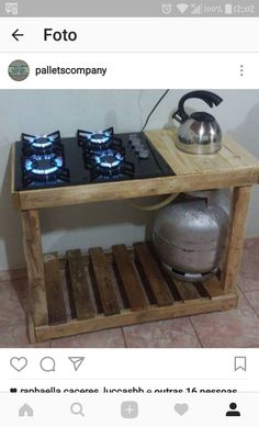 Possibly make this with steel plate and old RV stove? The post Tiny cabin. Possibly make this with steel plate and old RV stove? appeared first on aubenkuche. Diy Pallet Projects, Wood Projects, Pallet Furniture, Garden Furniture, Furniture Ideas, Furniture Companies, Woodworking Projects Plans, Teds Woodworking, Outdoor Cooking