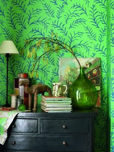 This Sanderson wallpaper (Matisse Leaf ) is inspired by a Matisse painting but is executed in the distinctive Bloomsbury artistic style. Lovely!