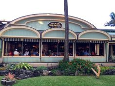 Island Eats at Mama's Fish House in Maui -This Beautiful Day