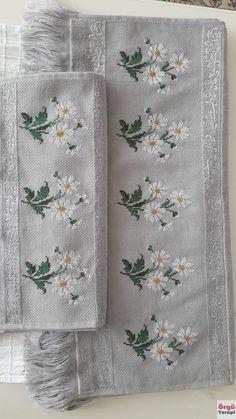Cross Stitch Borders, Cross Stitch Flowers, Cross Stitch Designs, Cross Stitch Patterns, Knitting Patterns, Crochet Patterns, Flower Patterns, Hardanger Embroidery, Cross Stitch Embroidery