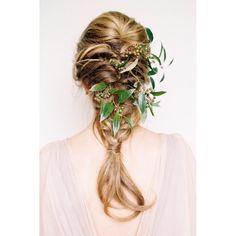 Turn an everyday #braid into an #organic masterpiece with a sprig of fresh #flora! #weddinghair #organicwedding #weddinginspiration | Photography: @meganrobinsonphoto | Floral Design: @tingefloral