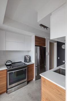 Cuisinette conçue par KnightsBridge Montreal, Condos, Real Estate, Kitchen, Design, Home Decor, Real Estates, Cooking, Decoration Home