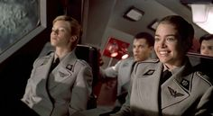 Amy Smart & Denise Richards in STARSHIP TROOPERS. A lot of Amy's fans never noticed her tiny role with Denise soaking up the spotlight. She's just as beautiful as Denise and in my opinion more talented. Starship Troopers 1997, Star Troopers, Denise Richards, Amy Smart, Space Marine, Film Movie, Movies And Tv Shows, Science Fiction, Celebrity