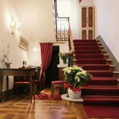 Domus Socolatae è una dimora per soli adulti in Maremma, Toscana. Una residenza d'epoca con servizio di b&b. Una fuga romantica nella natura e nell'arte. Hotel, Toscana, B & B, Stairs, Home Decor, Stairway, Decoration Home, Staircases, Room Decor
