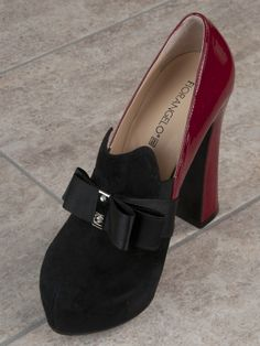 870daeb367a1 16 Best A Touch of Red - Italian Shoes images