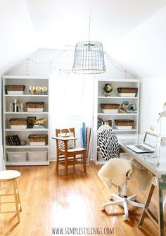 I love the circle garland above the window and bookshelves...definitely going to add that project to my list of upcoming office projects!