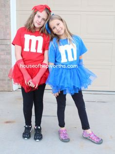 Easy DIY matching M&M costumes (Halloween Costumes Bestfriend) Partner Halloween Costumes, Matching Halloween Costumes, Twin Halloween, Handmade Halloween Costumes, Zombie Costumes, Halloween Couples, Halloween This Year, Group Halloween, Halloween Ideas