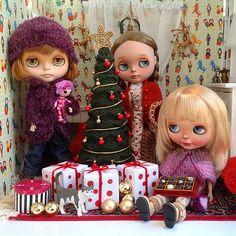 Megan, Chio y Lana os desean Felices Fiestas desde la @lag… | Flickr