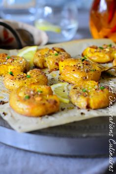 Pommes de terre tapée à l'ail, huile d'olive et piment Ikea Kallax Hack, Shish Kebab, Grilling Sides, Grilled Tomatoes, Cooking On The Grill, Serving Dishes, How To Cook Chicken, Salad Recipes, Side Dishes