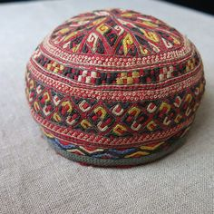 turkmen-tekke-tribal-silk-and-cotton-embroidered-child-hat