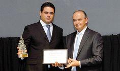 V Premios Castilla y León Económica. Premio a la Mejor Acción Social: Clemente Sierra, director general de la Fundación de la Lengua Española, y José María Leal, presidente de Caja de Burgos.