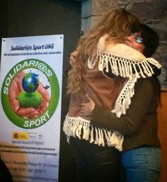 Acto de amadrinamiento de Solidarios Sport, ayer.  Cómo voy a decir que no a un grupo de personas que luchan por la integración social y laboral de mujeres en riesgo de exclusión e inmigrantes?  Bendita esta vida que me permite formar a #mujeres #profesionales y también leer #poesia para mujeres que necesitan belleza y verdad.  El homenaje que me regalaron ayer, como madrina, fue infinito.  Yo siempre quiero gente tan grande a mi lado.. #madrina #solidarity
