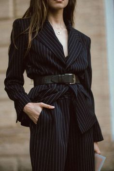 minimalist outfit ideas for fall Source by ADaesthetics Fashion Moda, Suit Fashion, Look Fashion, Fashion Outfits, Fashion Tips, Feminine Fashion, Fashion Images, Fashion Websites, Fashion Clothes