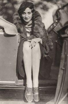 Jacques Henri Lartigue: Renée Perle. 1930