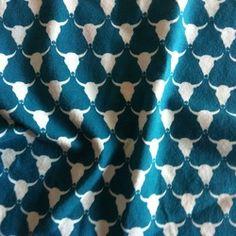 Jersey met stierenprint door Halsoverkop.  Vanaf nu te koop bij halsoverkop.nl  95% katoen 5% elastan