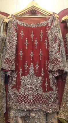 Pakistani Dulhan Suit In Beautiful Maroon Color Model# B 1818 Pakistani Mehndi Dress, Pakistani Fashion Party Wear, Pakistani Dresses Casual, Pakistani Wedding Outfits, Pakistani Dress Design, Bridal Outfits, Pakistani Designers, Fancy Wedding Dresses, Weeding Dress