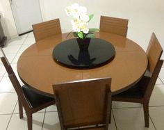 Vende-se uma mesa com 6 cadeiras tampo giratório
