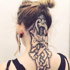 Norse knotwork tattoo by viking_tattooart. Nape Tattoo, Tattoo Hals, Head Tattoos, Foot Tattoos, Body Art Tattoos, Thai Tattoo, Maori Tattoos, Tribal Tattoos, Celtic Tattoos