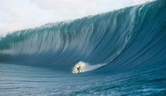 10 on the Craziest Teahupoo Shots That You Really, Should See Big Waves, Ocean Waves, Photo Surf, Big Wave Surfing, Surf Wave, Surfing Pictures, Water Photography, Photography Ideas, Deep Water