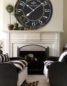 "Black and white Vintage wall clock - black and white room. Available in 7 sizes from 12"" to 60""!"