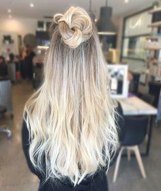Blonde balayage, long hair, top knot, cool girl hair ✌️