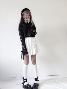 刺繍 ショート丈 トップス レディース 長袖 パーカー 個性的 Gyaru Fashion, Ulzzang Fashion, Teen Fashion Outfits, Edgy Outfits, Korean Outfits, Kawaii Fashion, Asian Fashion, Pretty Outfits, Cool Outfits