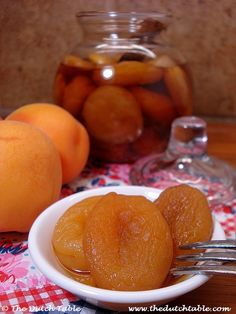 The Dutch Table: Boerenmeisjes (Dutch Brandied Apricots) Country Girls Typical Dutch Food, Christmas Buffet, Dutch Apple, Dutch Recipes, Danish Recipes, Brunch, Vegetable Dishes, Sweet Treats, Food Porn