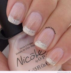 Elegance is beauty!! Check out this perfect glittery manicure <3 You will love it!