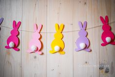 DIY Easter bunny garland, Velikonoční závěs #Easter #DIY #ideas #Craft ideas #decorations #Home decor #projects #paper #Easy #Deko #tutorials #pattern #Creative #bunny #garland #Velikonoce #Velikonoční #dekorace #tvoření #s #dětmi #inspirace #z #papíru #návod #girlanda #zajíček #závěs #postup #králík #zajíc #výroba #vyrábění #šablony