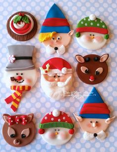 Image Holiday Cupcakes-- Too Cute To EatImage viaAndes mint cupcakes.sprinkle with crushed candy canes for Christmas. Christmas Cupcake Toppers, Christmas Topper, Christmas Cupcakes, Christmas Sweets, Christmas Goodies, Christmas Baking, Christmas Clay, Ugly Sweater Cookie, Fondant Toppers
