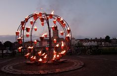 Compagnie Carabosse tijdens Deventer op Stelten 2011, via Flickr.