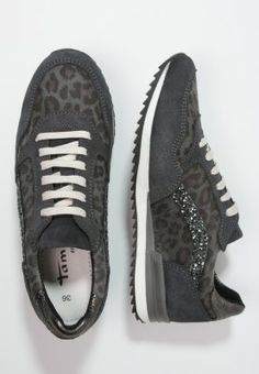 1000 images about damen sneaker herbst on pinterest paul green sneakers and abs. Black Bedroom Furniture Sets. Home Design Ideas