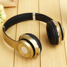 Cascos Inalámbricos Bluetooth con Radio FM y Manos Libres modelo 10395 - Cascos Inalámbricos Bluetooth con Radio FM y Manos Libres  Con los Cascos Bluetooth podrás escuchar toda tu música sin necesidad de cables. El diseño moderno y casual de losCascos Bluetoothlo hacen perfecto para combinarlo con todo tipo de estilos. Se puede plegar para ser más cómodo de ... - http://buscacomercio.es/producto/cascos-inalambricos-bluetooth-con-radio-fm-y-manos-libres-mod