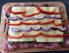 Pieczeń świąteczna - Blog z apetytem Kebab, Couscous, Meat Recipes, Hot Dogs, Diy And Crafts, Pork, Food And Drink, Blog, Dinner
