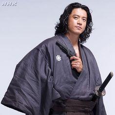 Japanese Love, Japanese Drama, Shun Oguri, Rain Jacket, Bomber Jacket, Mens Fashion Wear, Samurai, Windbreaker, Hair Beauty