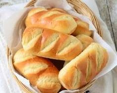 Kate are you up I went to get some petits pains au lait facile. Thermomix Desserts, Dessert Recipes, Cooking Bread, Cooking Recipes, Pan Focaccia, Masterchef, Sweet Breakfast, Love Food, Sweet Recipes