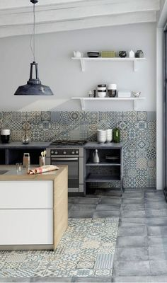 #bluetile #decorativetile #beautifultile #kitcheninspiration #kitchen #deco #merolatile