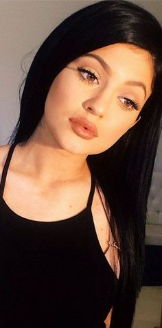 😃lol Kylie Jenner is a smart girl . And Kylie Jenner is a pretty girl . And Kylie Jenner is a hero 😃@ Kylie Jenner Lipstick, Maquillaje Kylie Jenner, Kylie Lips, Style Kylie Jenner, Kendall Y Kylie Jenner, Kylie Jenner Makeup, Kylie Jenner Black Hair, Peinados Kylie Jenner, Lip Surgery