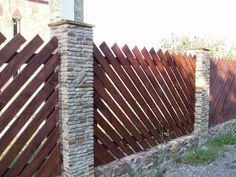 Majestic Fencing ideas backyard,Wooden fence max and Wood fence Small Fence, Front Yard Fence, Fenced In Yard, Farm Fence, Horizontal Fence, Fence Landscaping, Backyard Fences, Garden Fencing, Pool Fence