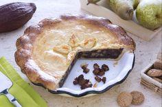 La pie di pere,amaretti e cioccolato è una torta dal ripieno caldo e saporito racchiuso in una friabile frolla burrosa.