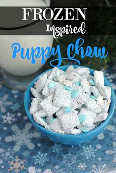 Frozen Inspired Puppy Chow Muddy Buddies Recipe – The It Mom® Puppy Chow Snack Mix Recipe, Muddy Buddies Recipe, Puppy Chow Recipes, Chex Mix Recipes, Christmas Eve Meal, Jelly Cookies, Shortbread Cookies, Easy To Make Snacks, Winter Birthday Parties