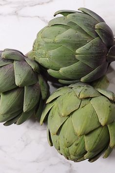 Steamed Artichokes are the easiest and most nutritious method to prepare these leafy, spiky vegetables. They get so soft, tender and have a delicate, sweet flavor. Steam Vegetables Recipes, Steamed Vegetables, Vegetable Recipes, Vegetarian Recipes, Cooking Recipes, Veggies, Vegetable Sides, Vegetable Side Dishes, Recipes