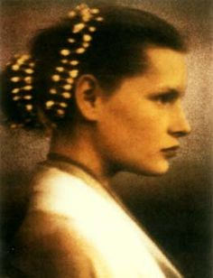 Kirsten Owen photographed by Paolo Roversi for Romeo Gigli, 1988