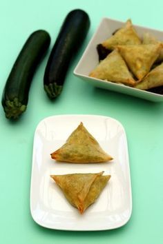 Samosas with zucchini and feta - Vegane - # Samosas, Vegetarian Recipes Dinner, Healthy Recipes, Healthy Food, Zucchini, Good Food, Yummy Food, Food Tags, Finger Foods
