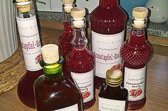 Granatapfel-Vanille Essig, ein leckeres Rezept aus der Kategorie Gewürze/Öl/Essig/Pasten. Bewertungen: 3. Durchschnitt: Ø 3,8.