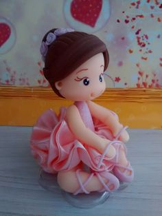 The Porcelain China Diane Ballet Cakes, Ballerina Cakes, Clay Crafts, Diy And Crafts, Clay Fairy House, Ballerina Birthday Parties, Fondant Cupcake Toppers, Cute Polymer Clay, Clay Baby
