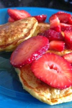 Oatmeal Cottage Cheese Pancakes | I usually eat them without any topping and just keep popping them in my mouth!